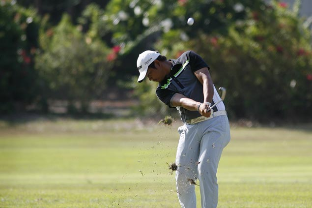 Clyde Mondilla romps to eight-stroke win in Calatagan, second straight title in Philippine Golf Tour