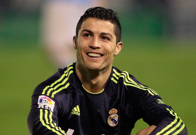 Cristiano Ronaldo gives his agent a greek island as a wedding gift