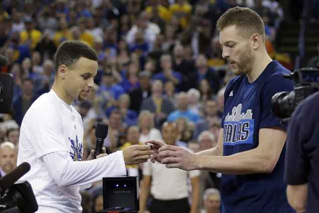 David Lee signs two-year, $3.2M deal to join San Antonio Spurs, says agent