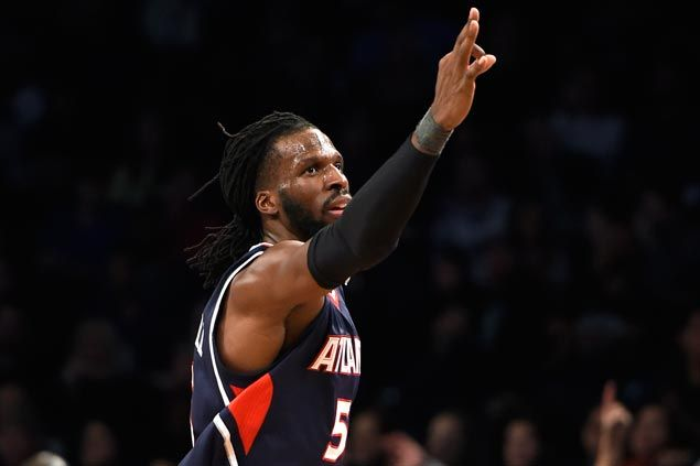 DeMarre Carroll catches fire in second period as Hawks rout weary Nets for fifth straight win