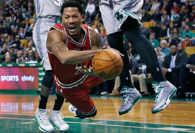 Gloom descends on Chicago as Bulls lose Derrick Rose to yet another knee injury