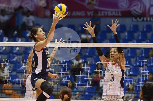Dindin Santiago shows way as Blaze Spikers nip Tornadoes in five for second straight win in Super Liga