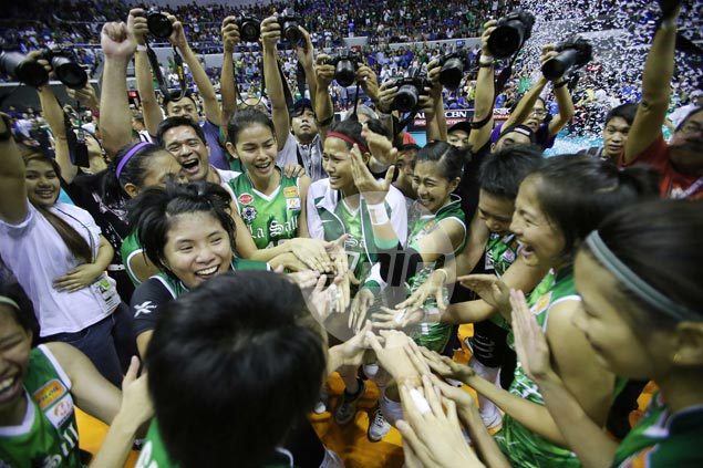 La Salle Lady Spikers end Ateneo Lady Eagles' two-year-reign in UAAP women's volleyball