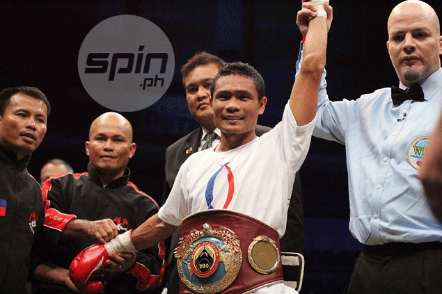 Donnie Nietes retains WBO junior flyweight title with TKO win over Mexican challenger Carlos Velarde