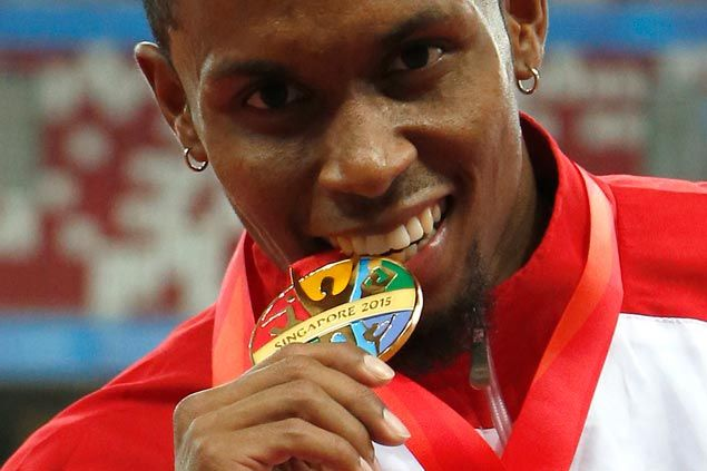 Golden double for Eric Cray as he rules 400 meter hurdles, sets new SEA Games record