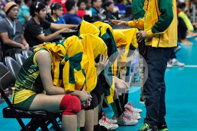 Did FEU tear page off Lady Eagles' playbook with meditation in between sets? Coach shrugs off criticism