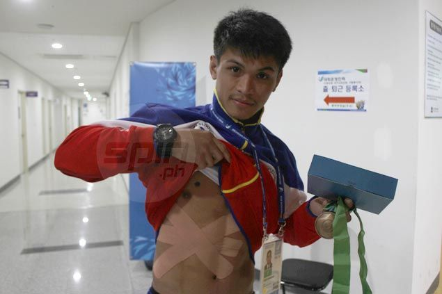 Francisco Solis fights through injury from Day One to clinch bronze medal in Asian Games wushu