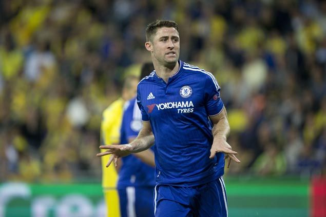 Gary Cahill signs new contract to stay at Chelsea until 2019