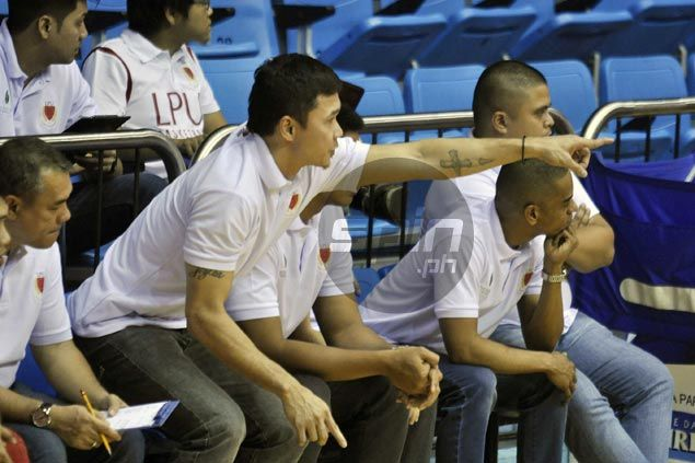 Gary David gives back to Lyceum, provides occasional services as Pirates assistant coach