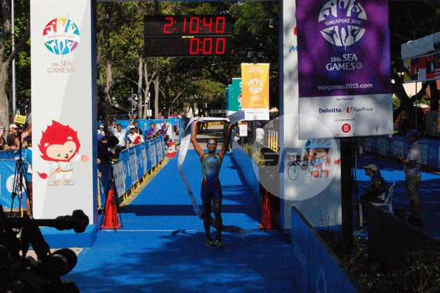 Claire Adorna delivers as triathlete provides PH first gold in 28th SEA Games