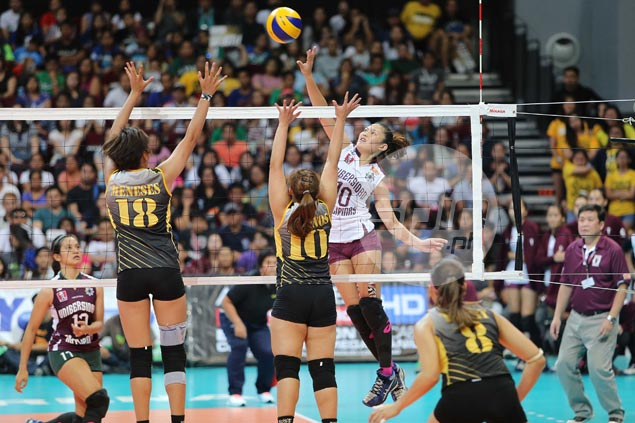 UP Lady Maroons dominate UST Tigresses, earn at least a playoff for Final Four berth