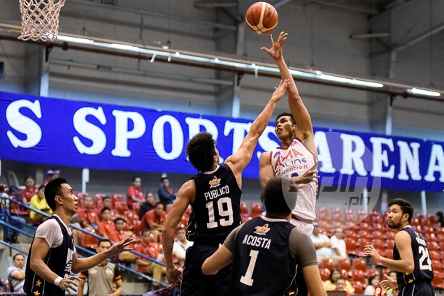 Jammer Jamito shines as AMA University makes D-League win column with squeaker over Wangs