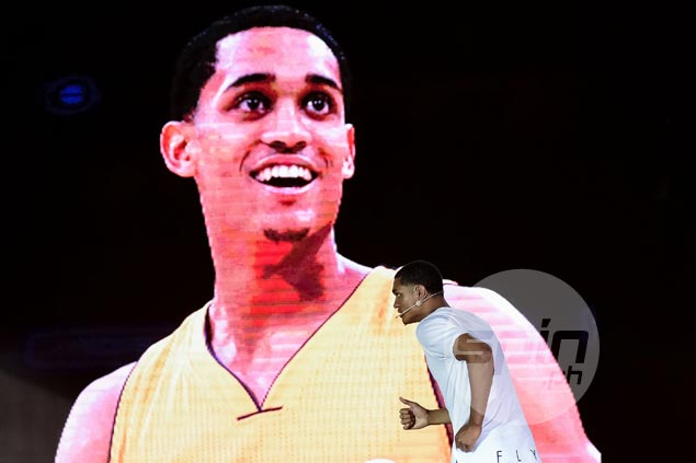 Jordan Clarkson doing well off the bench as Luke Walton tinkers with Lakers starting lineup