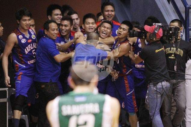 Nard Pinto breaks CSB Blazers' hearts with last-gasp winner for Arellano Chiefs