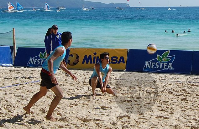 UST sweeps opening matches in Nestea Beach Volleyball