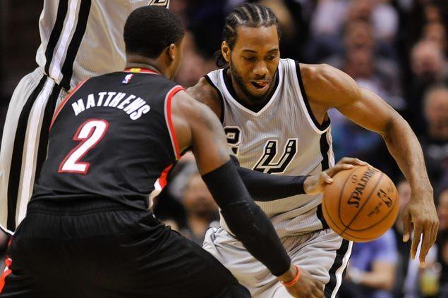 Kawhi Leonard scores 20 in return from injury layoff as Spurs blast Blazers