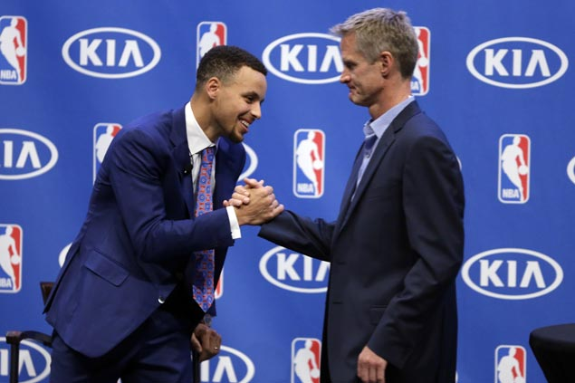 Steve Kerr amazed by Stephen Curry's transformation from rail-thin Davidson guard to two-time NBA MVP
