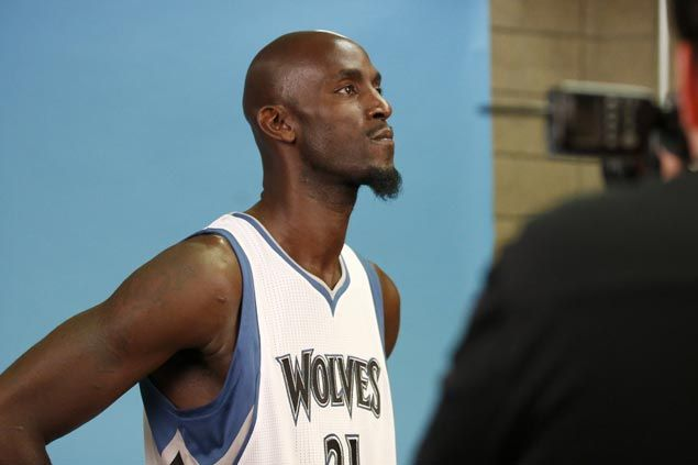 Kevin Garnett says farewell after 21 seasons in the NBA