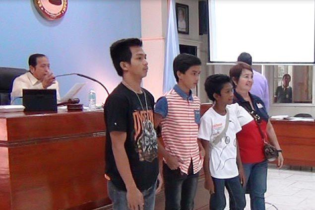 Davao gymnasts honored ahead of Palarong Pambansa for returning lost P50,000