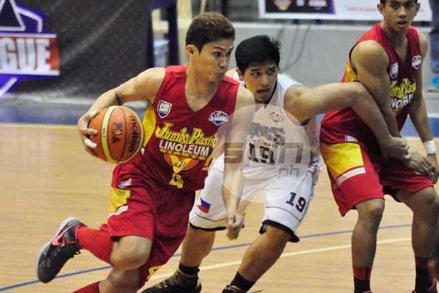 Jumbo Plastic overcomes Wangs Basketball but loses Maclean Sabellina to injury