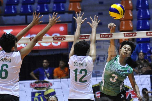La Salle Dasmarinas gains round-of-eight with five-set squeaker over early V-League quarterfinalist St. Benilde