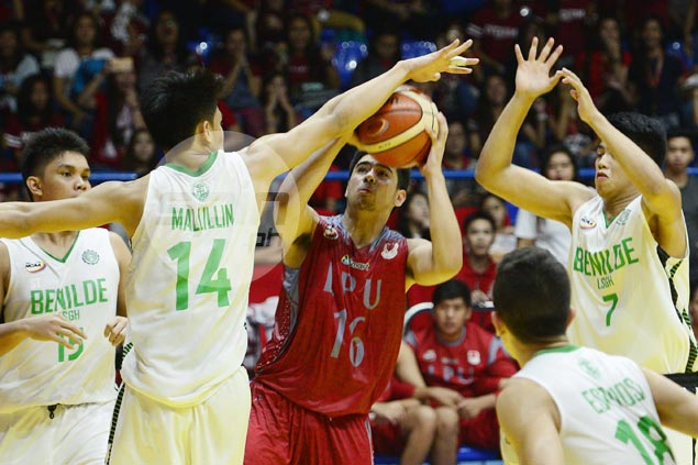 McLaude Guadana, Chester Jungco power Lyceum past La Salle Greenhills