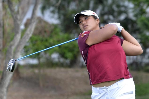 Mia Piccio takes one-stroke lead over Lee Jeong Hwa at Southwoods