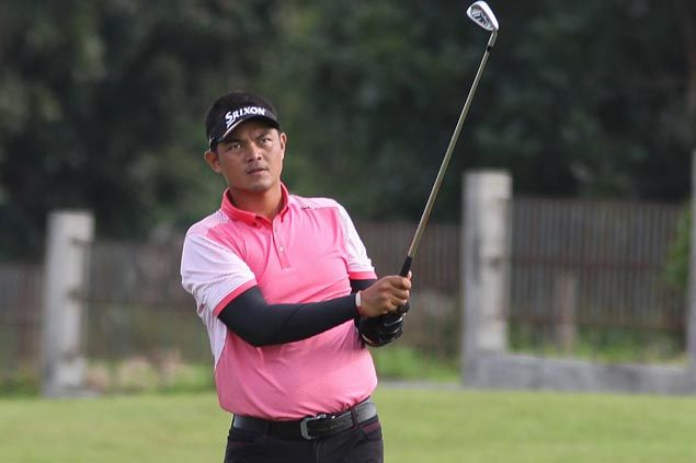 Michael Bibat stays bogey-free, moves four shots clear in Tournament Players Championship