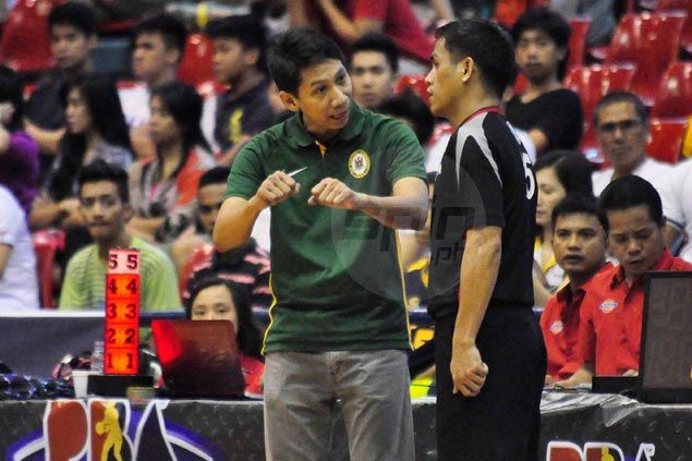 Mild-mannered Nash Racela blows top, ejected for coming into contact with D-League referee