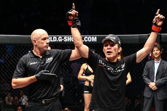Submission specialist Shinya Aoki stretched to the limit, settles for UD over Koji Ando in One: Warrior's Quest