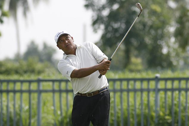 Orlan Sumcad takes Eagle Ridge lead with bogey-free 66