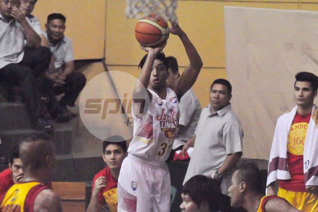 Jumbo Plastic beats Tanduay to boost bid for twice-to-beat edge in quarterfinals