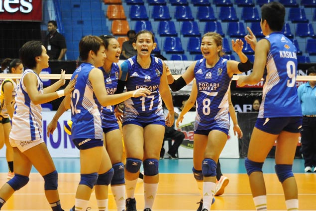 Three teams on track for V-League semifinals, leaving other clubs battling for one spot