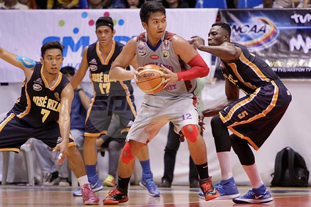 Caperal, Holts shine as switch to big man lineup gives Arellano Chiefs a huge win over JRU Bombers