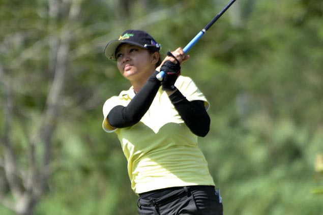 Princess Superal six strokes ahead of Bernice Olivarez-Ilas at Canlubang