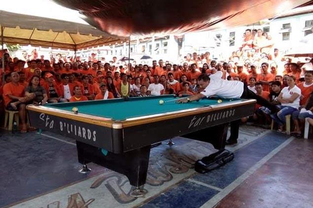 Efren 'Bata' Reyes, Django Bustamante get heroes' welcome at New Bilibid Prison