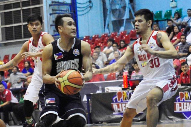 Rocky Acidre, Mike Miranda shine asWangs Basketball holds off winless Racal Motors