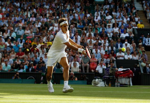 Roger Federer, Andy Murray stay on track for semifinal showdown in Wimbledon