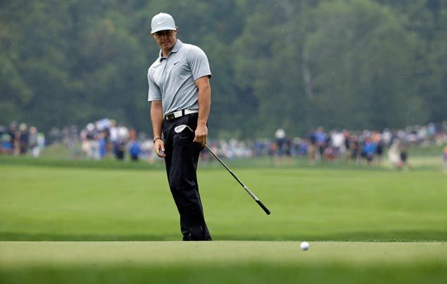 Rory McIlroy takes one stroke lead over Jason Day, Jim Furyk