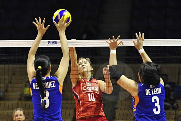 Stalzer, Ammerman lead way as Cignal tightens grip on second with quick win over Foton