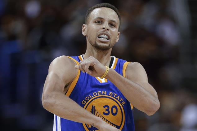 Warriors steal one on the road against Cavaliers to close in on NBA title