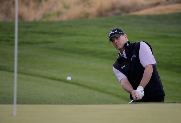 Steve Stricker, Sean O'Hair eagle No. 17 for a closing 64 to win Shootout by two strokes