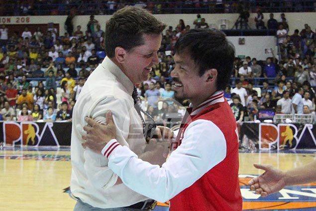 Purefoods cancels practice to cheer for Pacquiao in viewing party with wives, kids