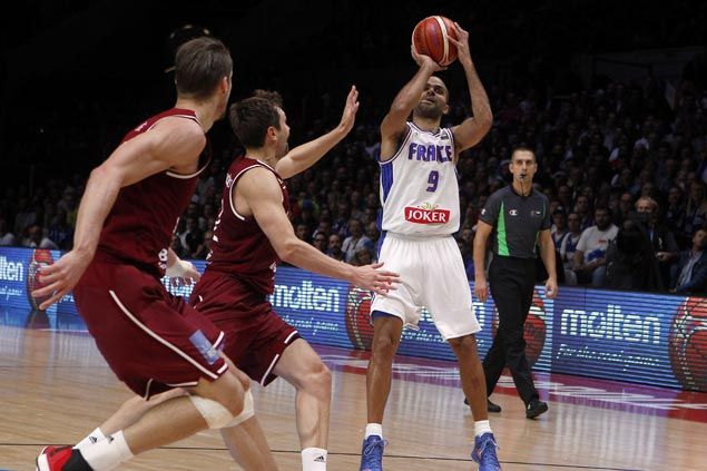 WATCH Tony Parker torches Latvia with nine straight points and leads France to Eurobasket semifinal against Spain