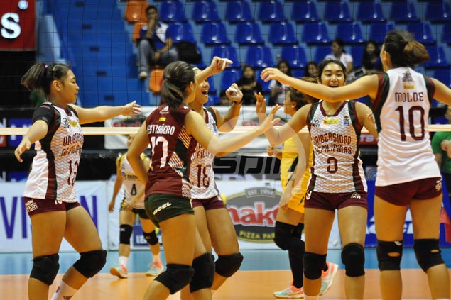 UP Lady Maroons score first victory, keep Baguio spikers winless in V-League