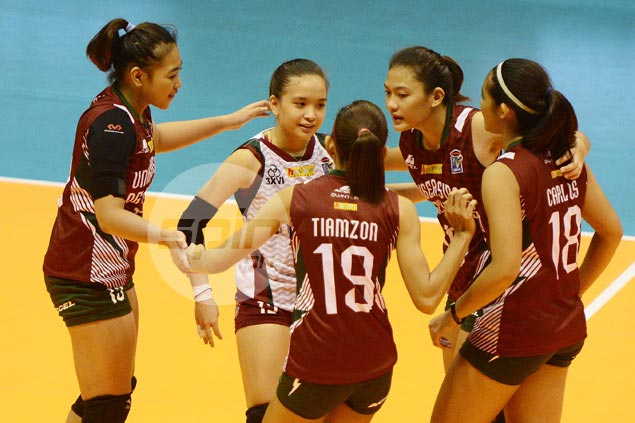 Diana Carlos, Kathy Bersola star as UP Lady Maroons knock lights out of Iriga Lady Oragons