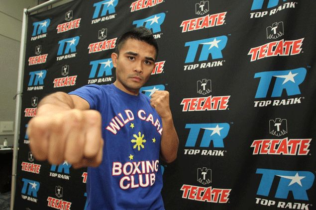 Brian Viloria hardly breaks a sweat in first-round demolition of Mexican rival Omar Soto