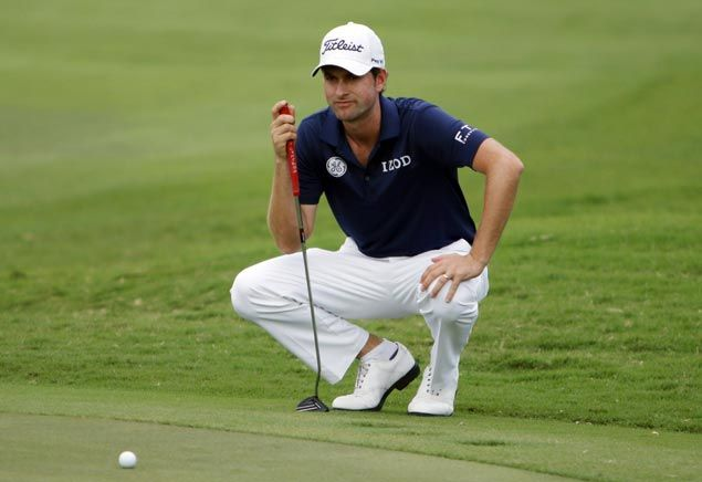 Using regular putter for the first time in 10 years, Simpson takes share of lead with Kuchar, Thomas