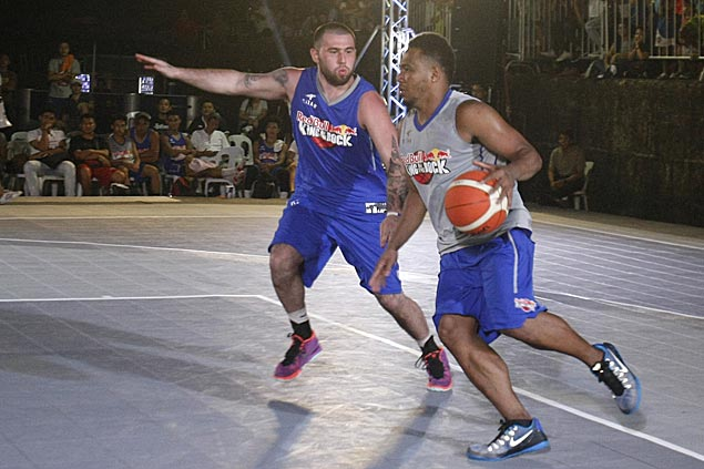 Fil-Am Robbie Herndon edges former PBA MVP Willie Miller to top one-on-one basketball tilt