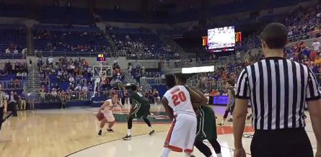 WATCH One-handed Florida Gators guard Zach Hodskins pulls off a slick spin move to score against Dolphins